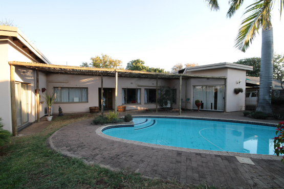 Family Home with Guest House Potential