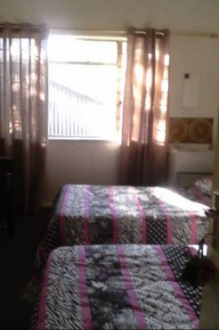 Germiston Residential Hotel / Big 5 Pub. Rooms, Meals, Bar, Free WiFi