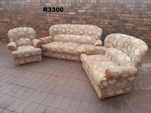 3 Seater, 2 Seater and 1 Seater Classic Lounge Suite,