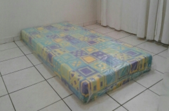 Single foam mattress New
