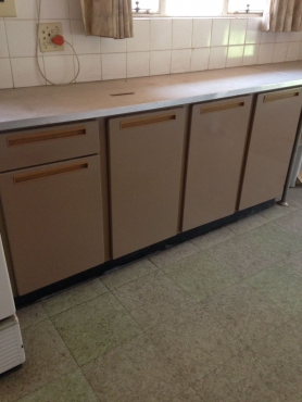 Kitchen Cupboards in excellent Condition
