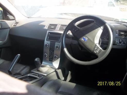 Volvo S40 interior p