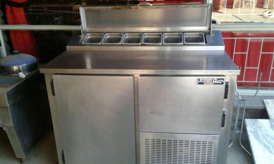 Pizza counter or bar fridge