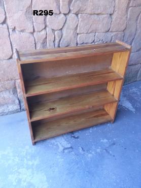 Small Pine Bookrack (855x915x750)