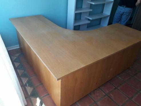 L-vormige tafel
