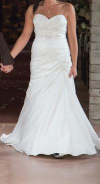 Wedding Dress - Ivory Beautifull By Enzoani