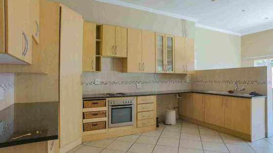 House (Duet) for sale in Gezina. Spacious, Renovated, 176m2, 4 bedroom, 2 beautiful bathrooms
