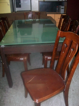 Secondhand Dinning Room Table With Glass Top 6 Chairs Junk Mail