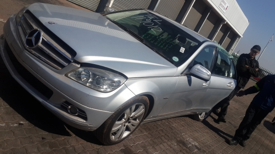 W204 C200K Mercedes Benz Stripping For Spares