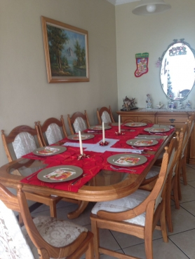 R 15 000 For Sale Solid Oak Dining Table