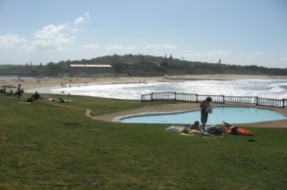 St Michaels-on-Sea beautiful sea view spacious 3 bedroom 2 bathroom flat sleeps 3 - 8 guests from R3600 per week