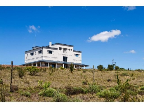 Grahamstown, Guesthouse / FARM, rent out the 2 flatlets and main house per month