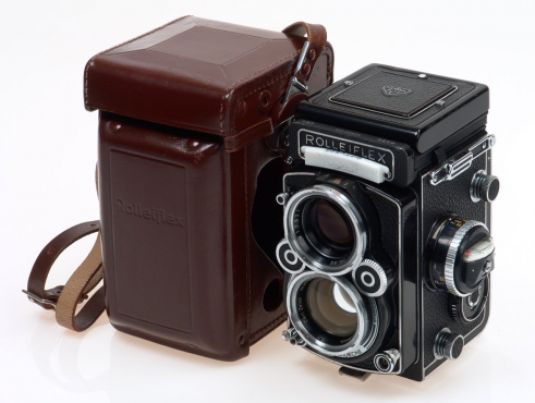 ROLLEIFLEX VINTAGE OLD CAMERA AND ACCESSORIES WANTED