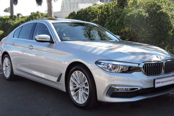 2017 BMW 520d Sedan Glacier Silver Metallic Leather   1000 KilometersBalance of Motorplan, valid till 30/07/2022 or 100000 KilometersW-spoke, Styling 632, 8Jx18245/45 R18  Luxury Line Sport leather steering wheel (3 spoke) Chrome-line exterior Instrument panel in Sensatec Fine-wood trim  Automatic tailgate operation BMW display key Electric Rear Screen Roller Sun Blind with manual Side Blinds  Seat heating for driver and front passengerConvenience telephony with extended smartphone connectivity Glass Sunroofelectric with sliding and vent function Navigation System