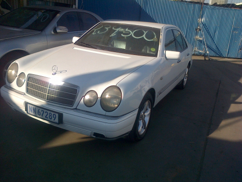 Perfect 1997 Mercedes Benz E320 For Sale