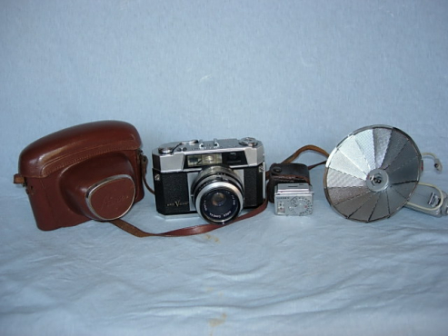 Vintage Aires Viscount Camera, Light Meter and Fan Flash