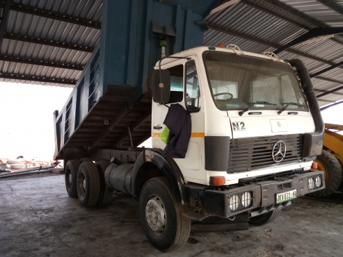 Mercedes Benz 1928 V-Series 18ton/10cube tipper for sale.