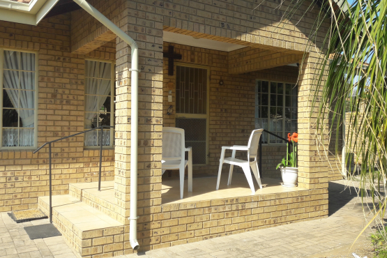 Trendy Townhouse / Retirement house for sale : Modimolle