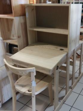 Pine Study desk with