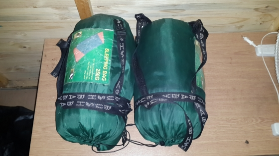 reputable site 915cd 614e4 Camping blow up bed double 2x bush baby sleeping bags   Junk ...