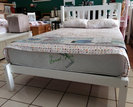 Pine Amanda Double bed (1370) - White
