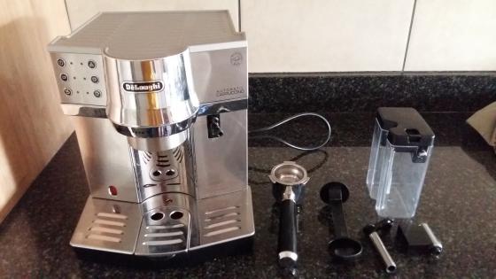 DéLonghi automatic cappuccino & espresso machine