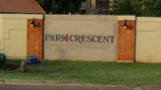 2 Bedroom Townhouse for Sale Fairway Gardens, The Orchards – R 500 000