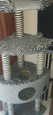 Cat Scratch Pole Stand 4 level