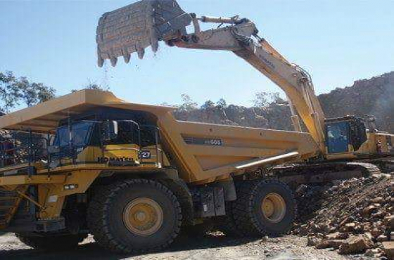 Mobile crane operating training school  0733146833 rustenburg town 777 dump truck TLB Excavator