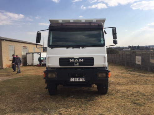 2012 MAN 10 cubic tipper truck for sale in excellent condition!