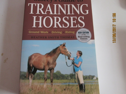 Storey's Guide to Training Horses - Heather Smith Thomas