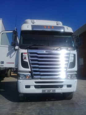Amazing deal for a Freightliner ISX500 Truck