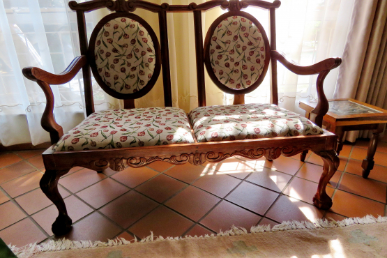 Antique 2 Seater-Non Negotiable