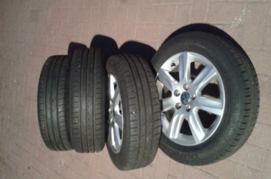 Vw Polo 6 mags and polo vivo mags with tyres