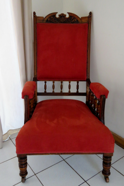 Antique couch and 2 chairs- Non Negotiable