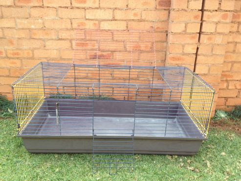 Cage for bunnies or guinnea pigs ect.