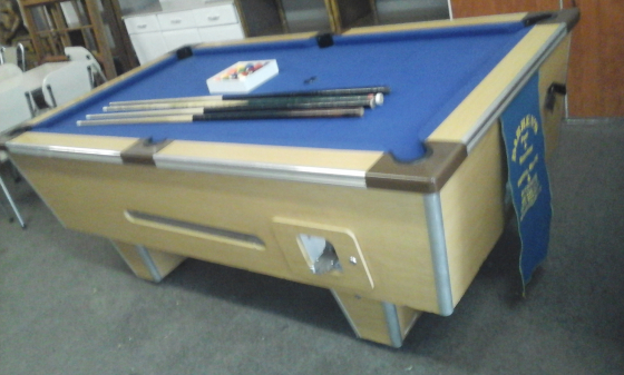 Sensational Coin Operated Pool Table With 4Cues 2Keys And Ballls For Home Interior And Landscaping Ologienasavecom