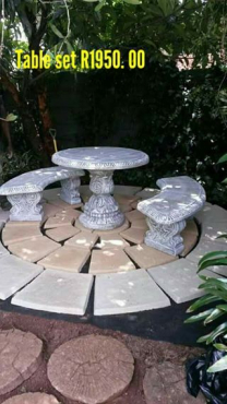Round table set