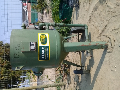 Ingersoll -Rand Compressor complete with Clemco Sand Blasting Pot