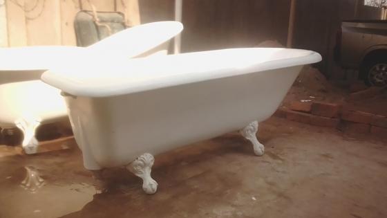 victorian bathtub | junk mail