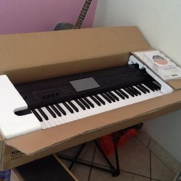Korg krome keyboard 61 keys