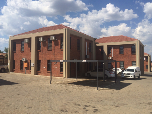 ATTENTION INVESTORS: PRIME OFFICES SPACE FOR SALE IN HEUWILSIG OFFICE PARK, CENTURION!