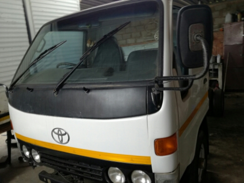 2001 Toyota dyna 4093 chassis cab