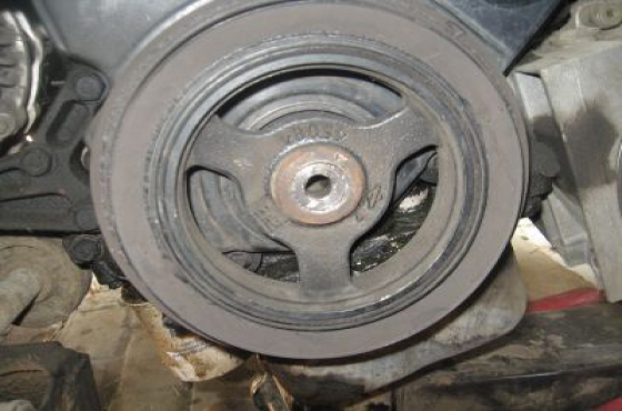 Chrysler Neon 2.0 nCrankshaft pulley  for sale  contact 076 427 8509 whatsapp 076 427 8509  Tel: 012