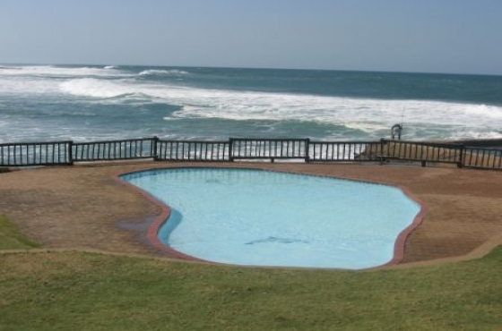 SEA SUN FUN Come and enjoy the beautiful South Coast - 3 sleeper self catering R165 pppn from now until the 15 DECEMBER