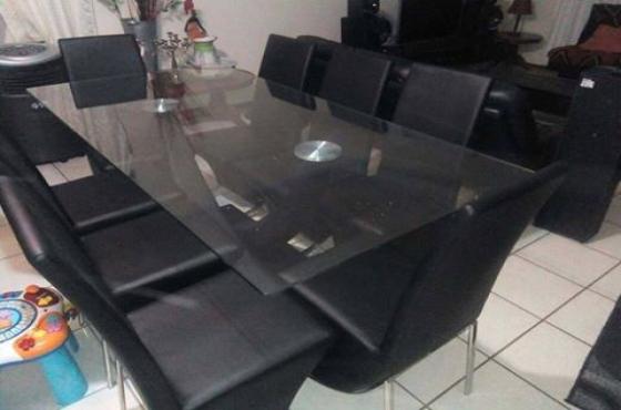 8 sitplek eetkamerstel (Maak aanbod)