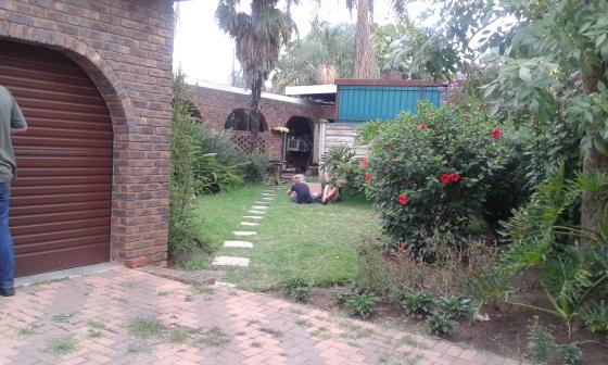 Tuin woonstel te huur in rietfontein pretoria slaap kamer bad