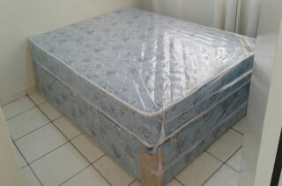 Comfort double bed base and mattress