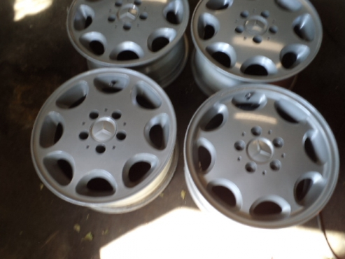Mercedes 15 inch mag wheels.