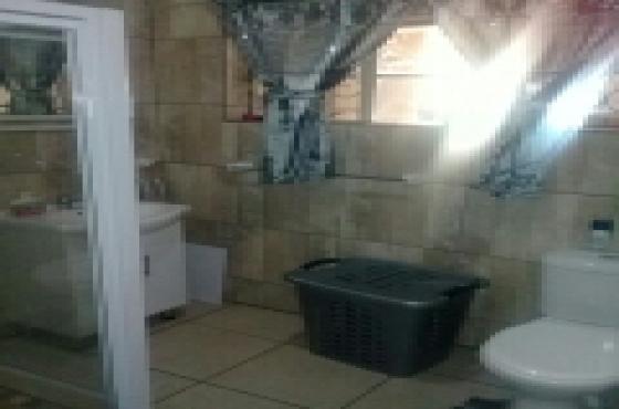 Slaapkamer Country Style : Slaapkamer huis te huur in villieria junk mail
